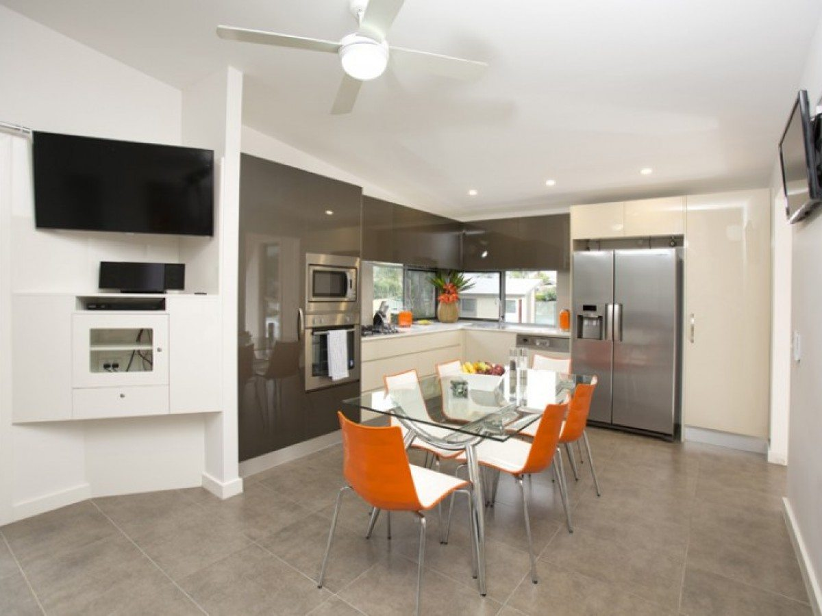 Kitchen area of a Penthouse Cabin apartment at Brisbane Holiday Village